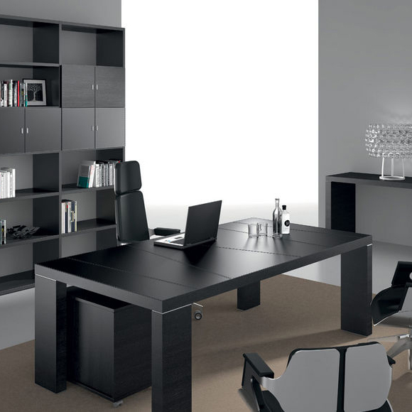 5 bureaux modernes aux finitions noires blog amm mobilier. Black Bedroom Furniture Sets. Home Design Ideas